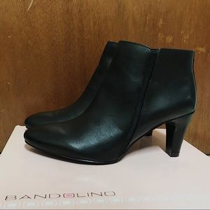 NWOT Women Bandolino Leather Ankle Boots Shoes